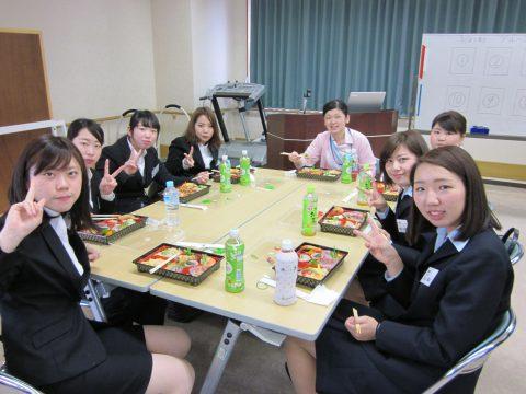 入職前研修(先輩Ns.と昼食)