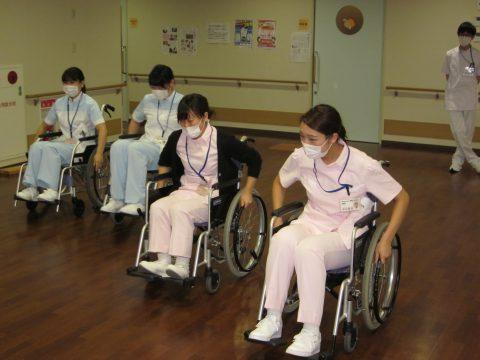 入職時研修(車椅子体験)